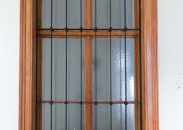 Gangfenster mit Holzlasur - Holzimitation